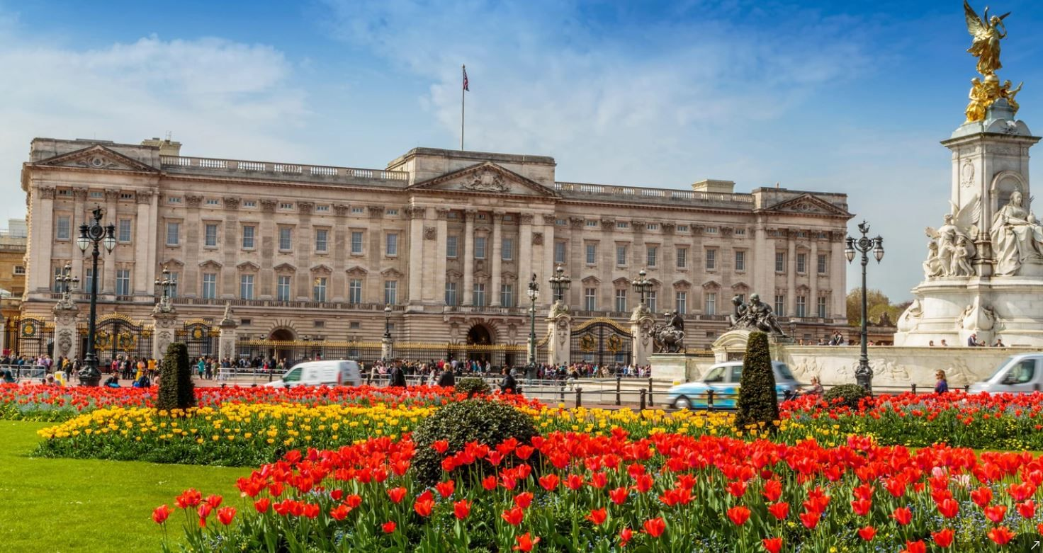 Magnificent Mansions - Buckingham Palace