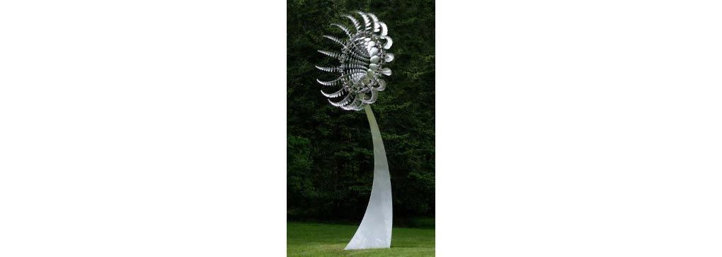 Kinetic wind sculpture