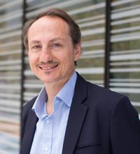 Prof. Simon Ringer