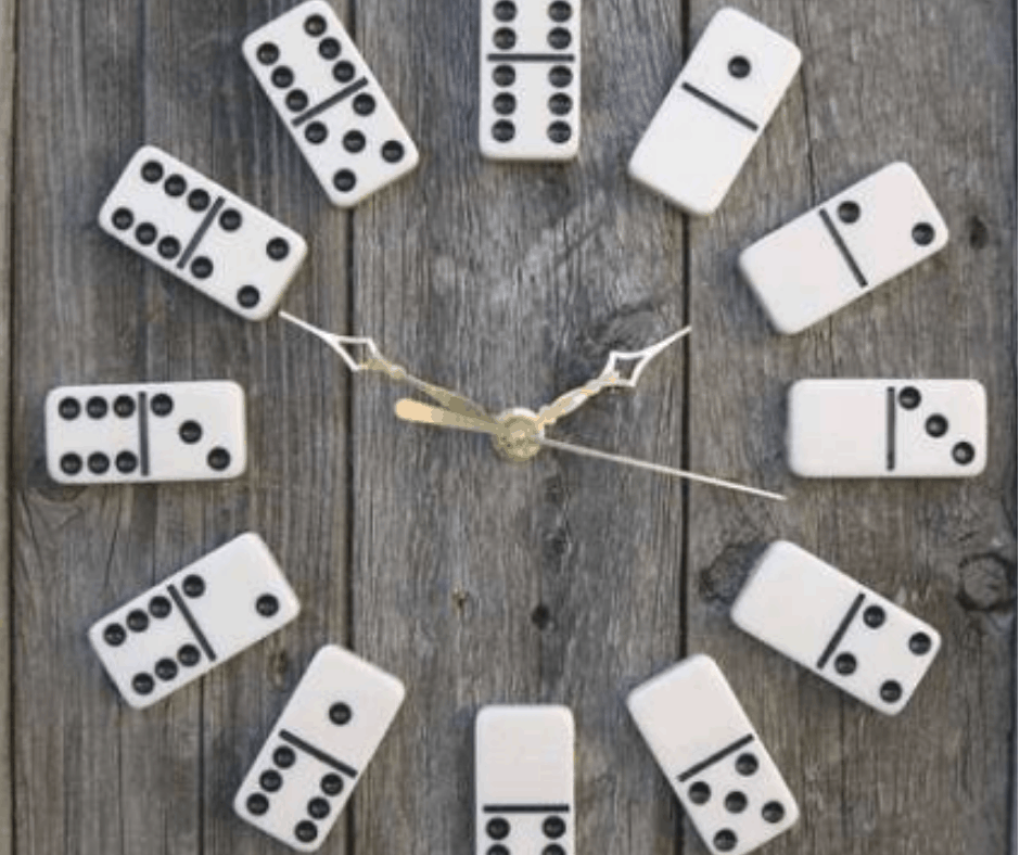 Classroom Domino clock Idea