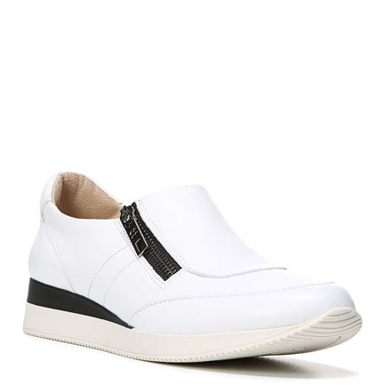 JETTY CASUALS IN WHITE