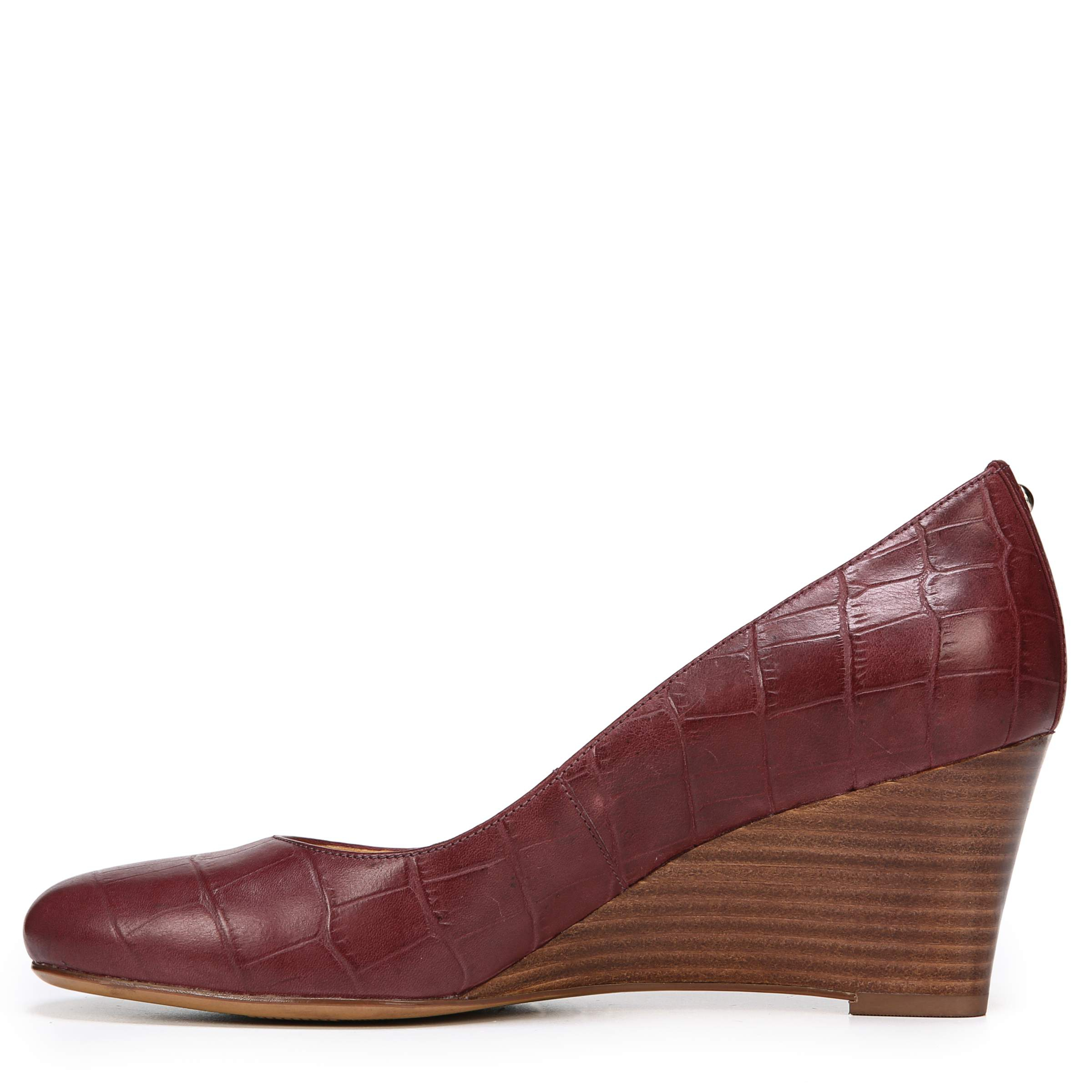 EMILY WEDGES IN WINE CROC