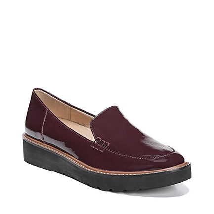ANDIE CASUALS IN HUCKLEBERRY PATENT