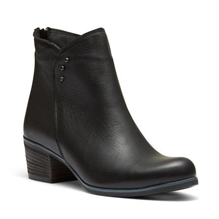 B-FRANKIE ANKLE BOOTS IN BLACK