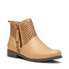 B-LOGAN ANKLE BOOTS IN TAN