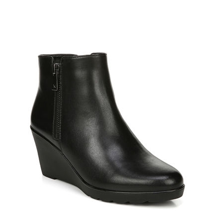 LANDRY ANKLE BOOTS IN BLACK