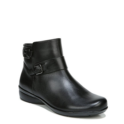 COLE ANKLE BOOTS IN BLACK