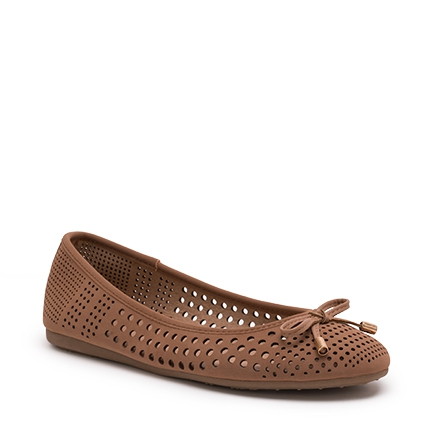 CINDELLE FLATS IN ALMOND