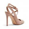 IMMI PUMPS IN NUDE