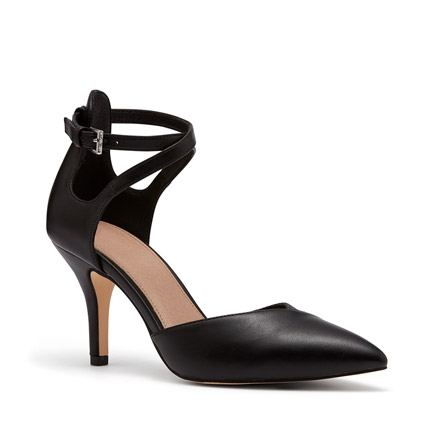 IMPORTANT PUMPS IN BLACK