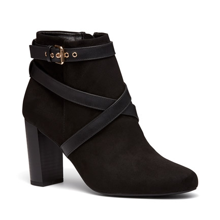 KIND BOOTS IN BLACK