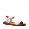 TINY SANDALS IN WHITE