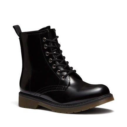 HISTORY BOOTS IN