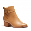 DELIGHTFUL BOOTS IN CAMEL
