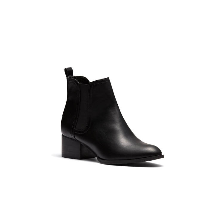 DIANORA BOOTS IN
