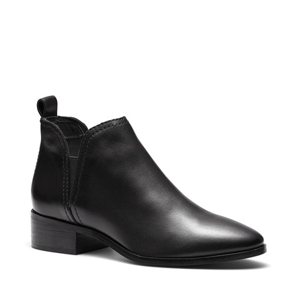 TRYX BOOTS IN