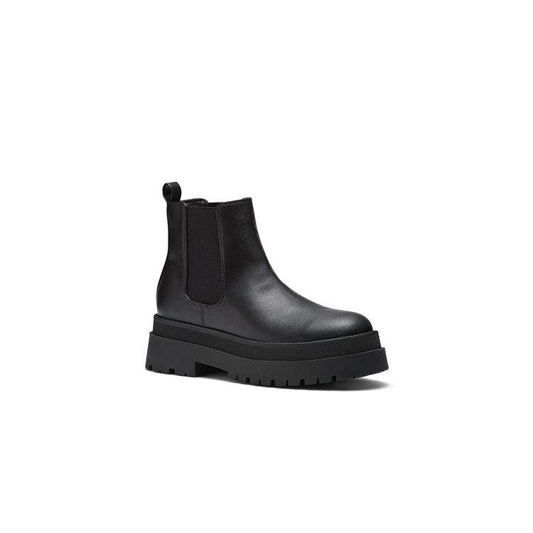 ZOI  BOOTS IN BLACK
