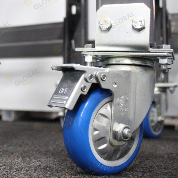 Castor wheel on longspan with break.
