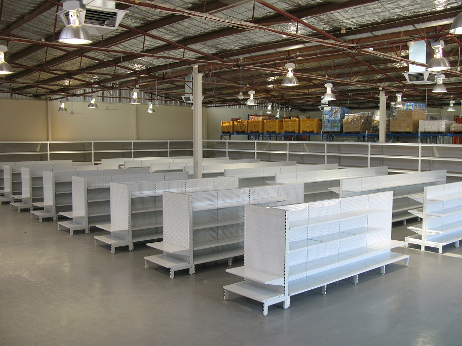 Example of how to set Gondola Shelves in a warehouse or in a store.