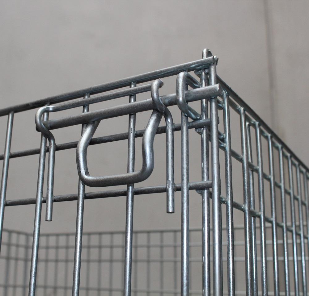 Galvanised Mesh Cage lock details.