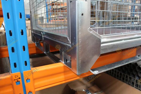 Stillage Mesh Cage Corner Detail 2