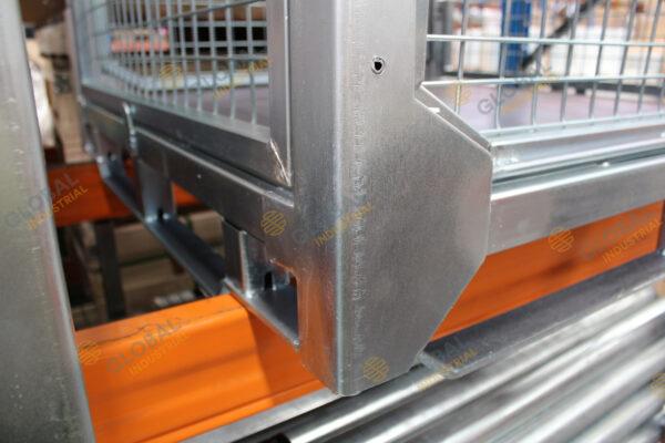 Stillage Mesh Cage Corner Detail
