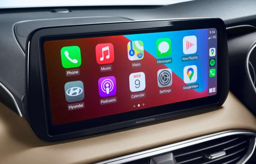 "10.25"" touchscreen with Apple CarPlay™<sup>P2</sup> and Android™ Auto<sup>P3</sup>."