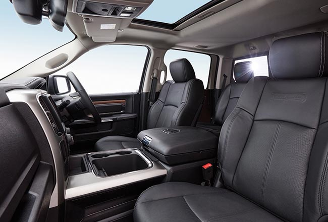 1500 Laramie Interior Seating