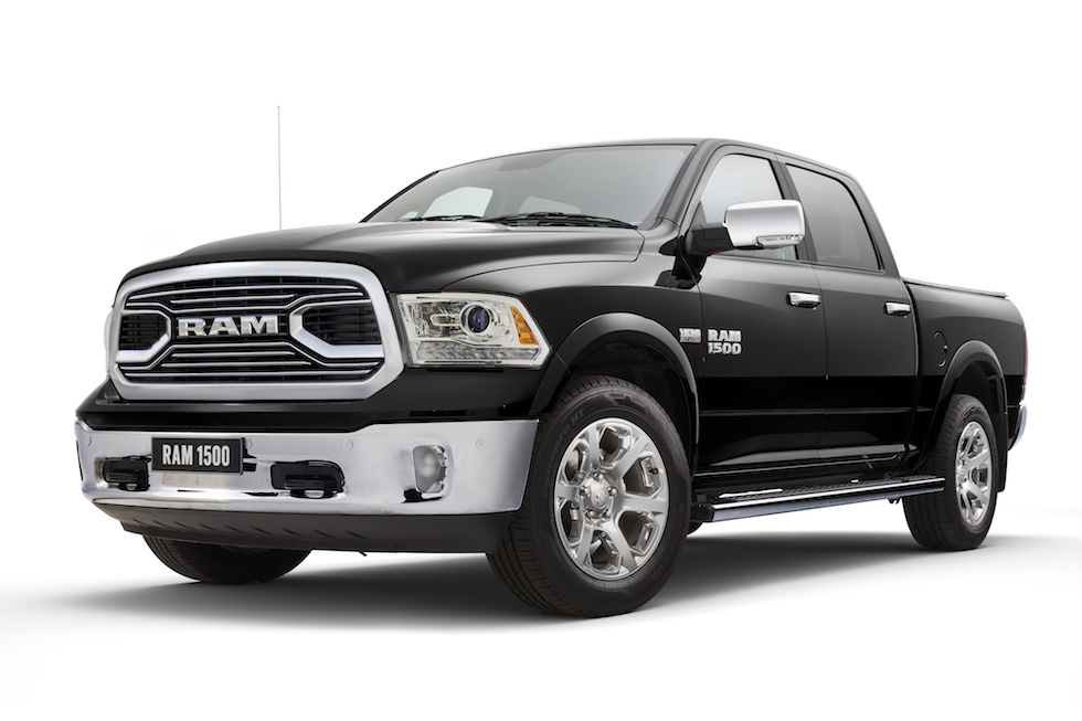 Laramie 1500 Brilliant Black