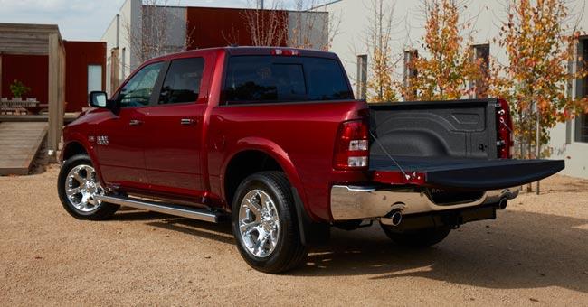"""1500 Laramie 5'7"""" Tub rear"""
