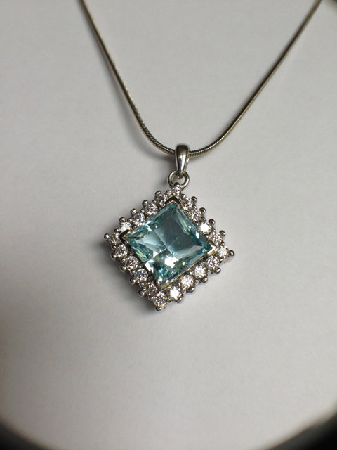 Genuine Natural Blue Topaz Squarish Cluster Pendant_image4