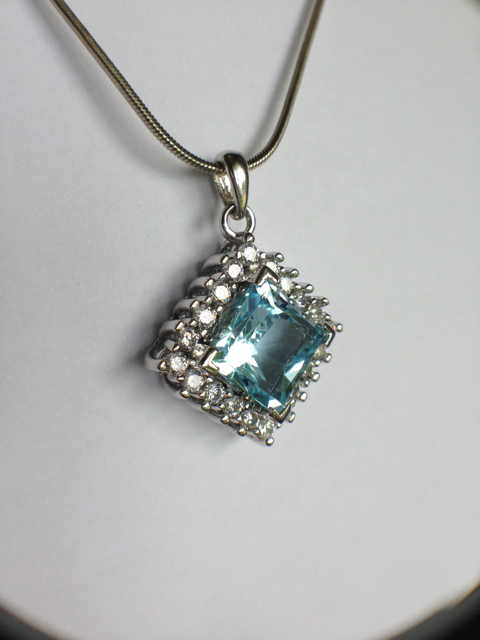 Genuine Natural Blue Topaz Squarish Cluster Pendant_image5