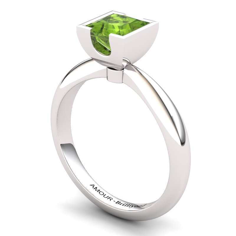Peridot Artisanal Watchtower Solitaire Ring_image2
