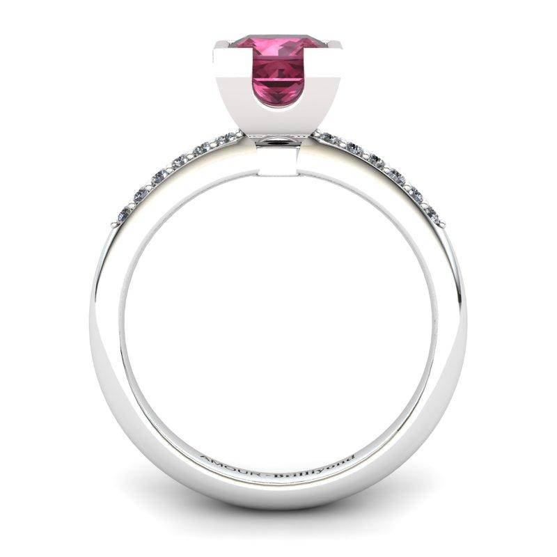 Garnet Elite Watchtower Solitaire Ring_image2