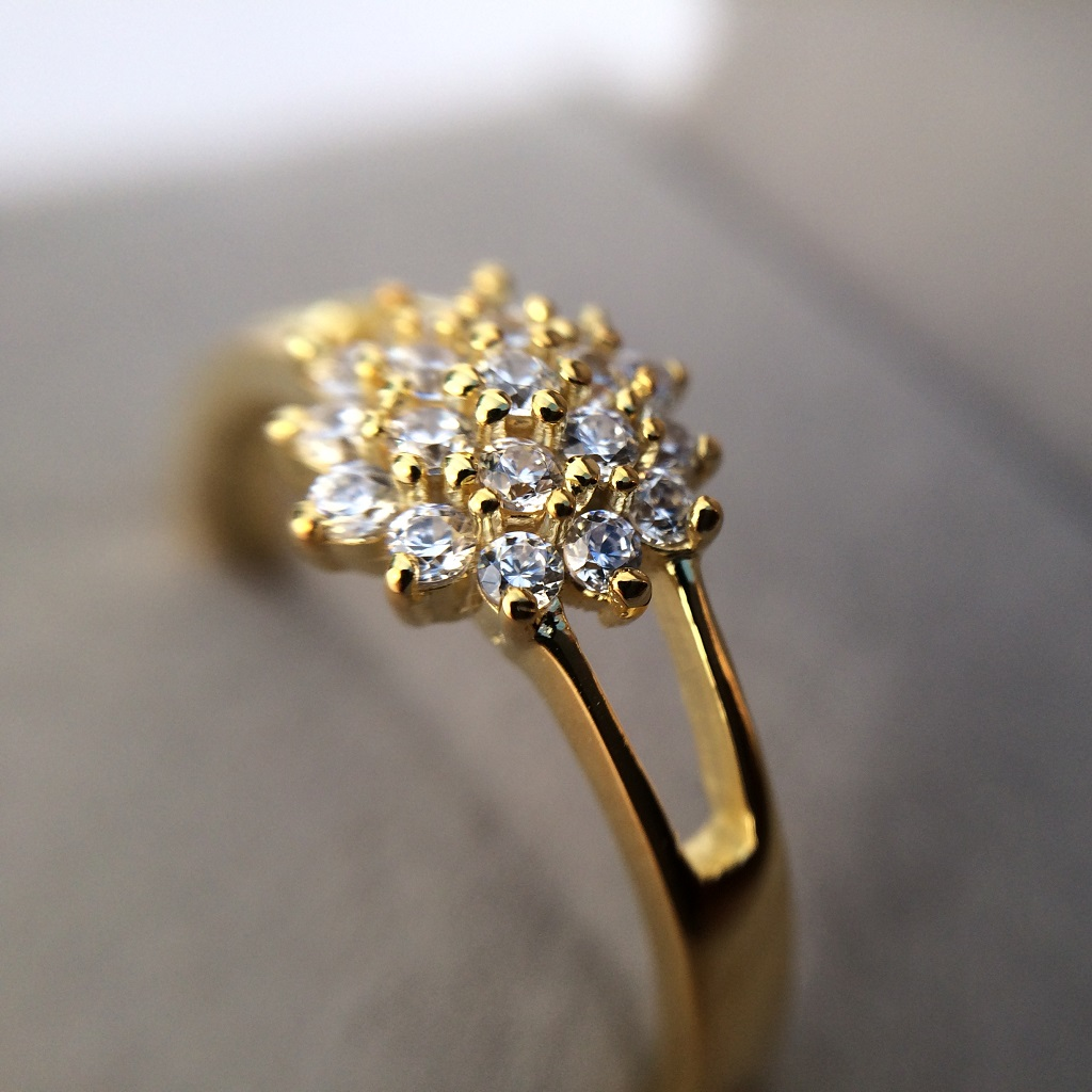 Yellow Gold Y Shaped Dhalia Inspired Ring_image4