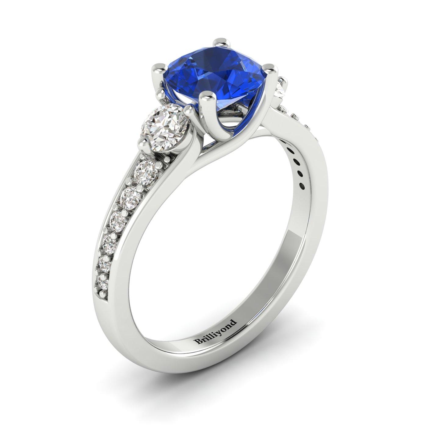 Three Stone Engagement Ring Sorento_image2