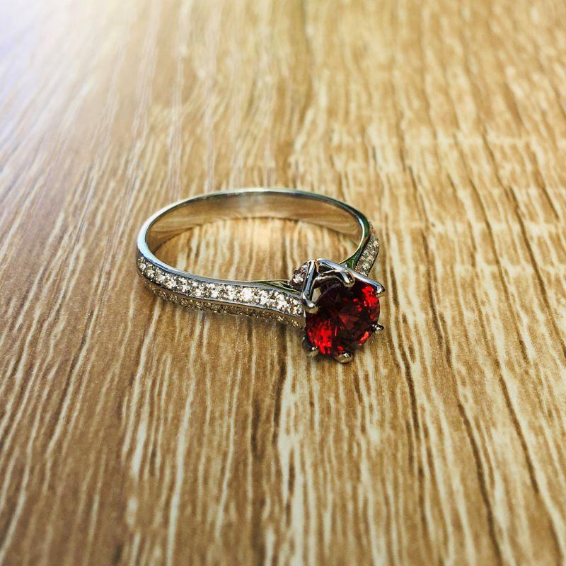 Garnet Ring White Gold Round Theia_image3
