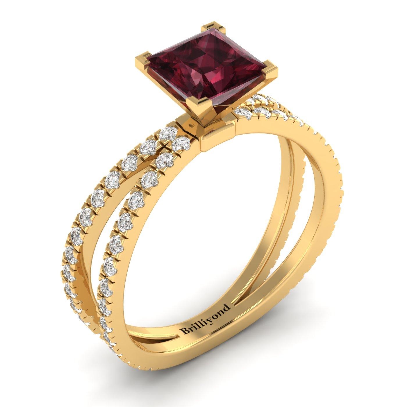 Garnet Yellow Gold Princess Cut Engagement Ring Florentine_image2
