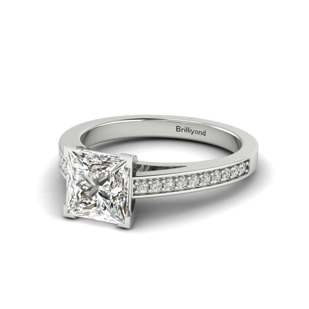 Princess cut Diamond Engagement Ring Volga in Platinum