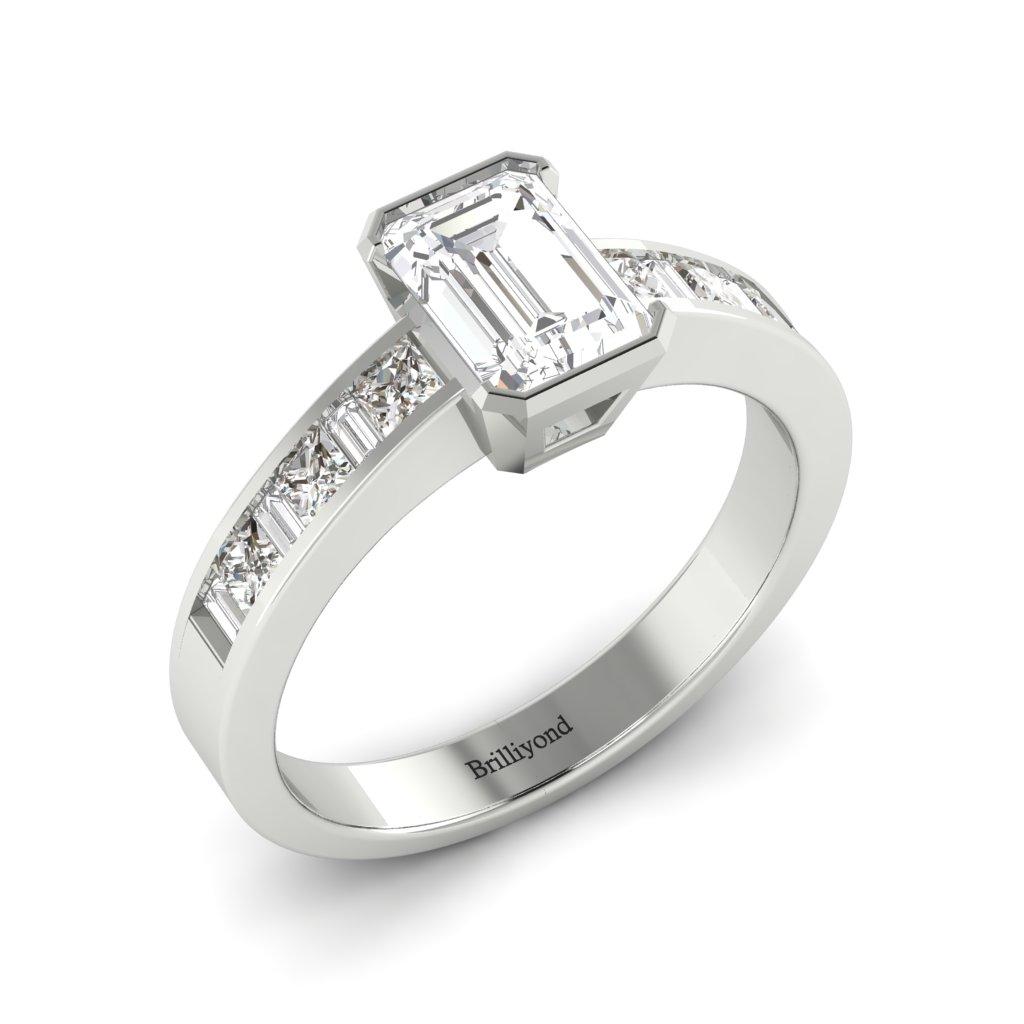 Diamond Emerald cut Engagement Ring Messardi in Platinum