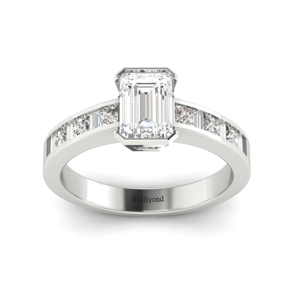 Diamond Emerald cut Engagement Ring Messardi in Platinum _image3