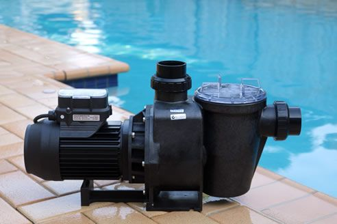 Top 7 things to consider when buying the best pool pump article main image