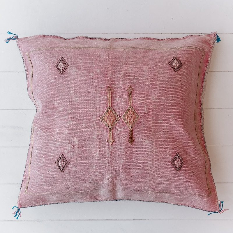 Cactus-Silk-Stone-Cushion-CHF46002-3