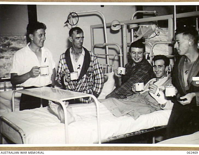 GREENSLOPES, QLD  1943-12-18  PATIENTS OF THE 112TH