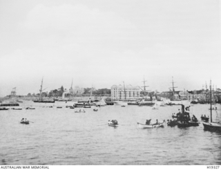 Small boats full of spectators crowd into Circular Quay to witness the departure of the New South Wales contingent to the Soudan (Sudan) War. On the 3 March 1885 the contingent, an infantry ..