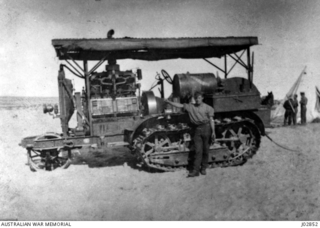 AN AMERICAN HOLT 75HP CATERPILLAR TRACTOR, ONE OF MANY WHICH WERE USED FOR HAULING GUNS AND STORES ACROSS THE DESERT IN SINAI. (DONATED BY MR. F.H. SMITH.)