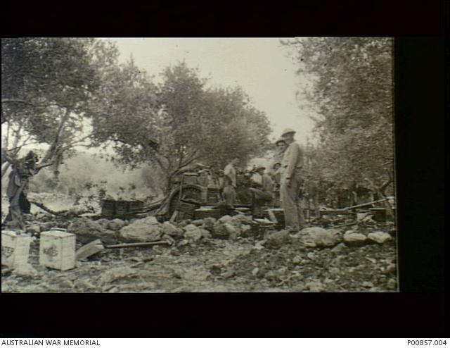 Sidon, Syria  c 1941-06-15  Crew of a 25-pounder gun 2/4th