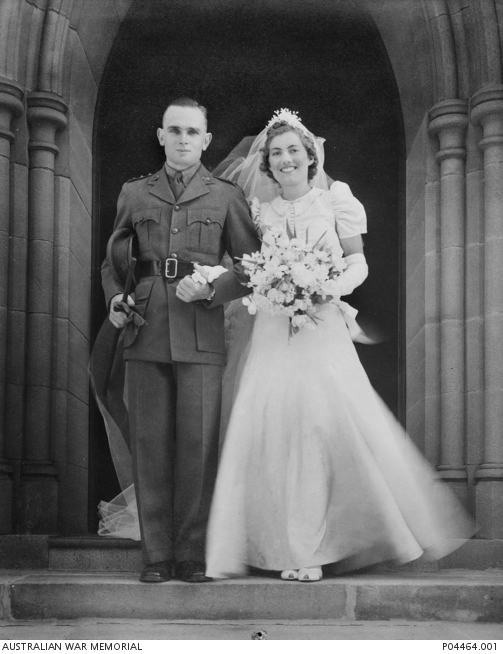 Wedding portrait of Isabel Platt-Hepworth and Captain Alfred Jakins Bell, 1939. P04464.001