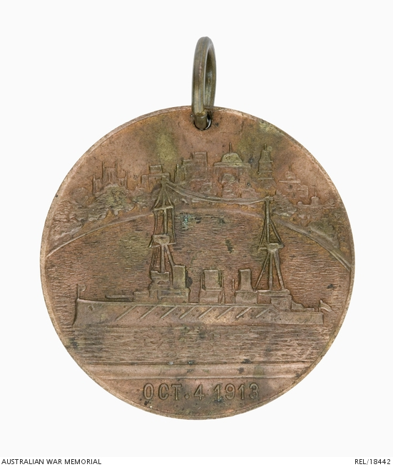 REL/18442 Circular bronze medalet commemorating the first visit of the Commonwealth fleet to Sydney on 4 October 1913.
