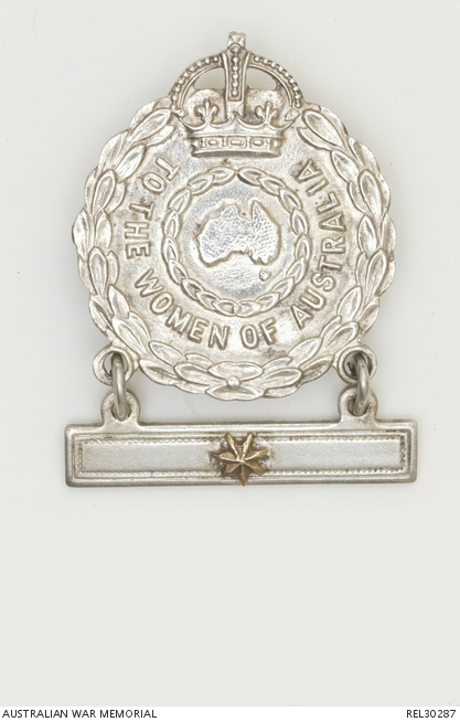 Second World War Female Relatives Badge. The badge reads 'To the women of Australia'